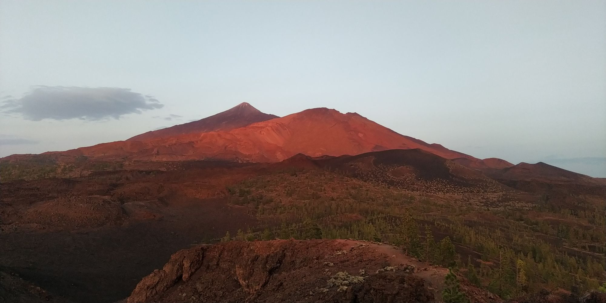Picture of a sunset with views on the Teide volcano. Unrelated to the main topic, but just to do a break.